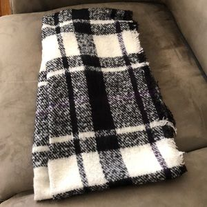 NWT Lauren knit plaid scarf